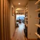 Edelweiss renovation 〜 ふたり暮らしのリノベーション 〜の写真 玄関ホールからリビング02