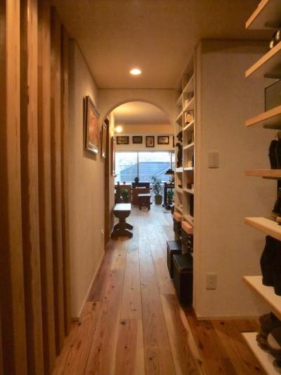 玄関ホールからリビング02 (Edelweiss renovation 〜 ふたり暮らしのリノベーション 〜)