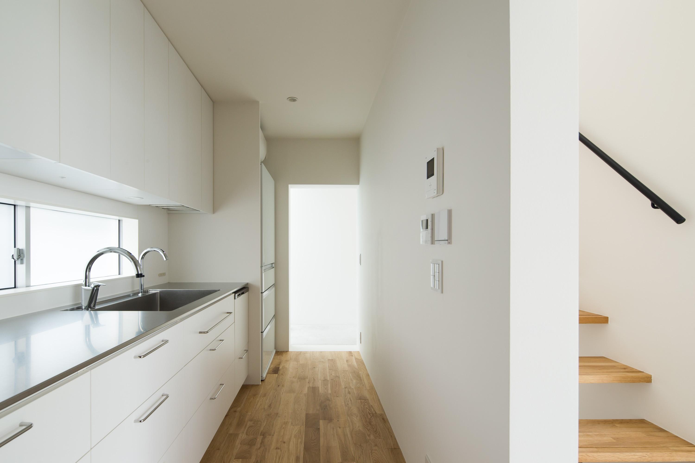 キッチン事例:キッチン(東大宮の家-趣味を楽しむためのモダンな住空間)