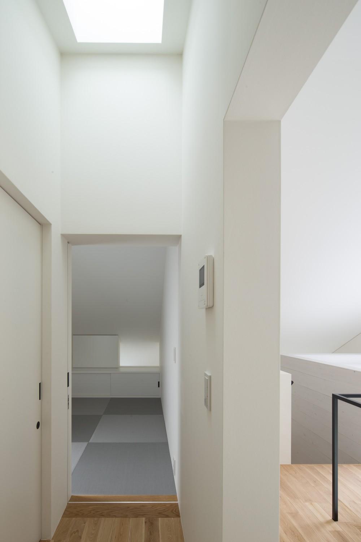 東大宮の家-趣味を楽しむためのモダンな住空間 (和室)