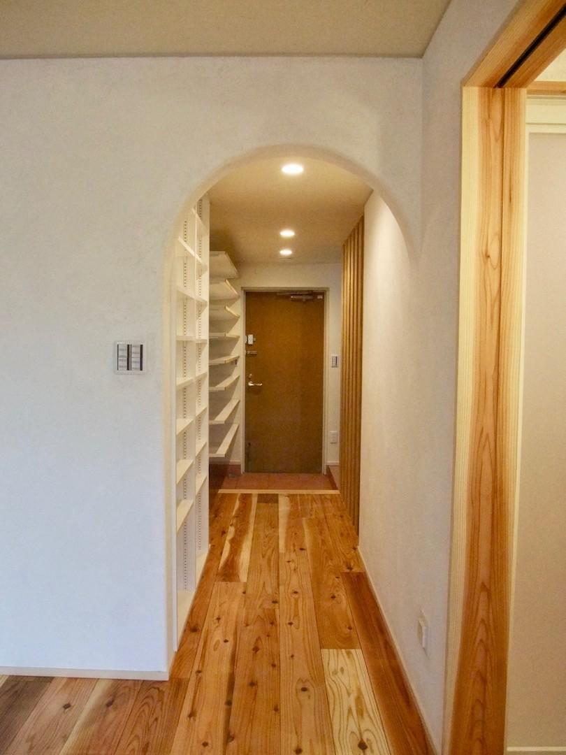 Edelweiss renovation 〜 ふたり暮らしのリノベーション 〜 (玄関廻り01)