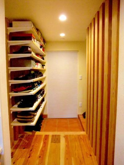 Edelweiss renovation 〜 ふたり暮らしのリノベーション 〜 (玄関廻り02)