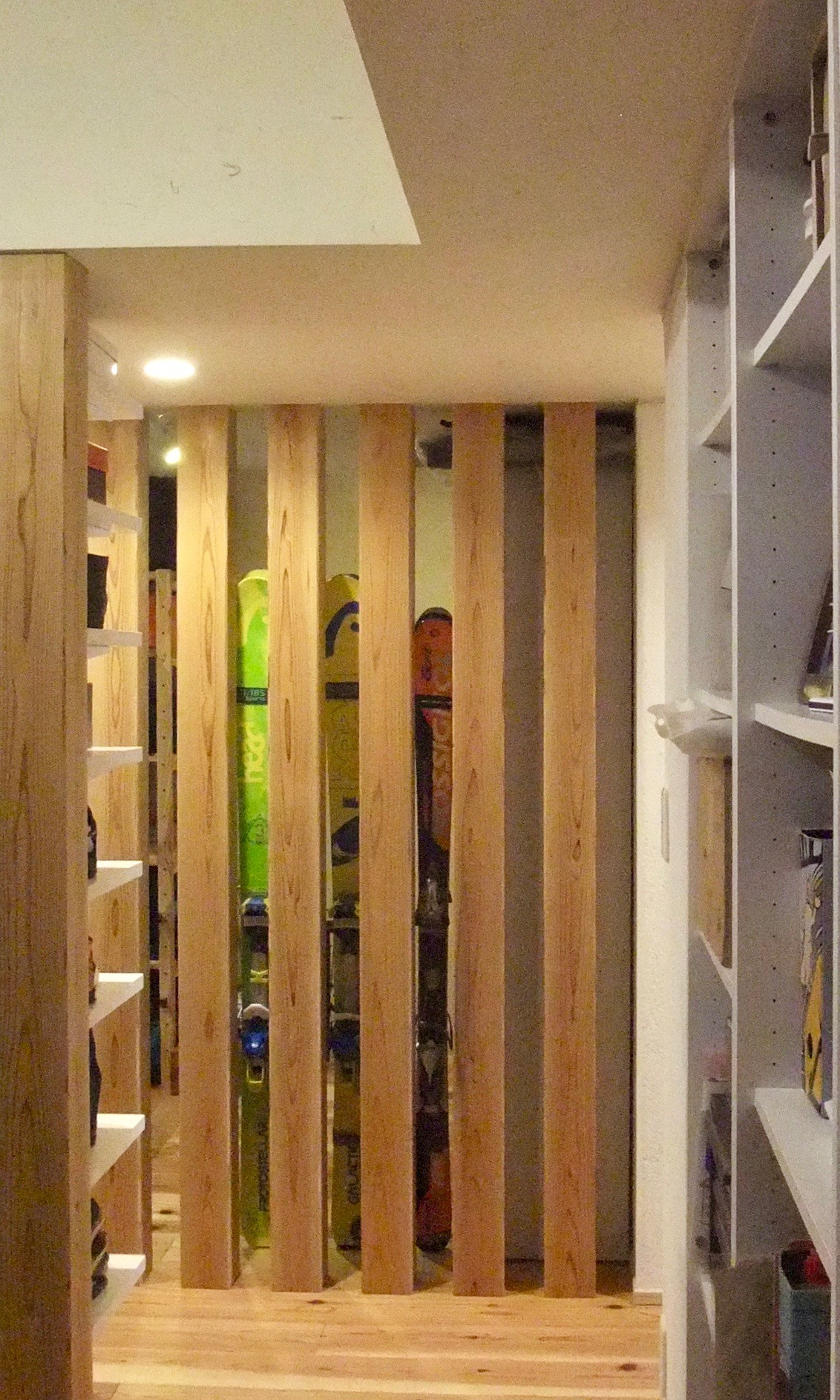 玄関事例:玄関廻り04(Edelweiss renovation 〜 ふたり暮らしのリノベーション 〜)