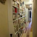 Edelweiss renovation 〜 ふたり暮らしのリノベーション 〜の写真 パントリー的壁面収納のある小道03