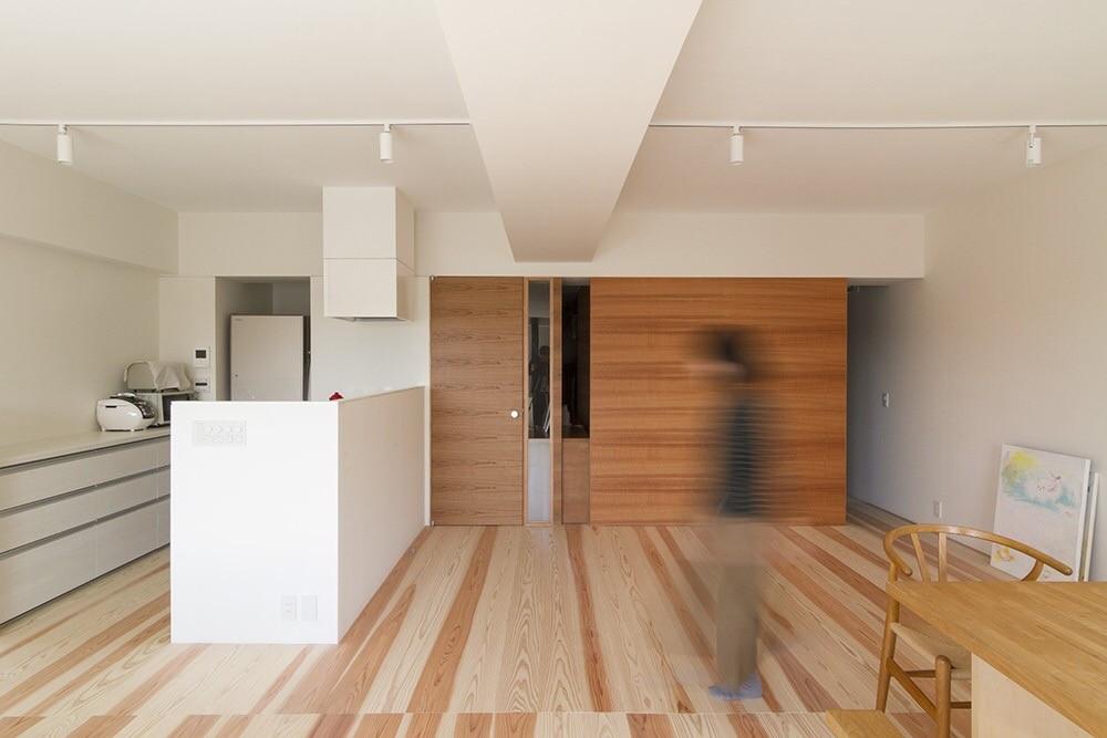 百合ヶ丘の家-ライフスタイルに合わせたひと続きの空間 (リビング・ダイニング・キッチン)