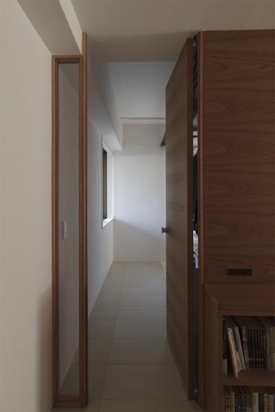 玄関・土間 (百合ヶ丘の家-ライフスタイルに合わせたひと続きの空間)