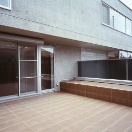 典雅さを目指した広尾の住まい RCビシャン仕上げの外観 シノワズリのインテリア空間 (屋上バルコニー周りの様子)