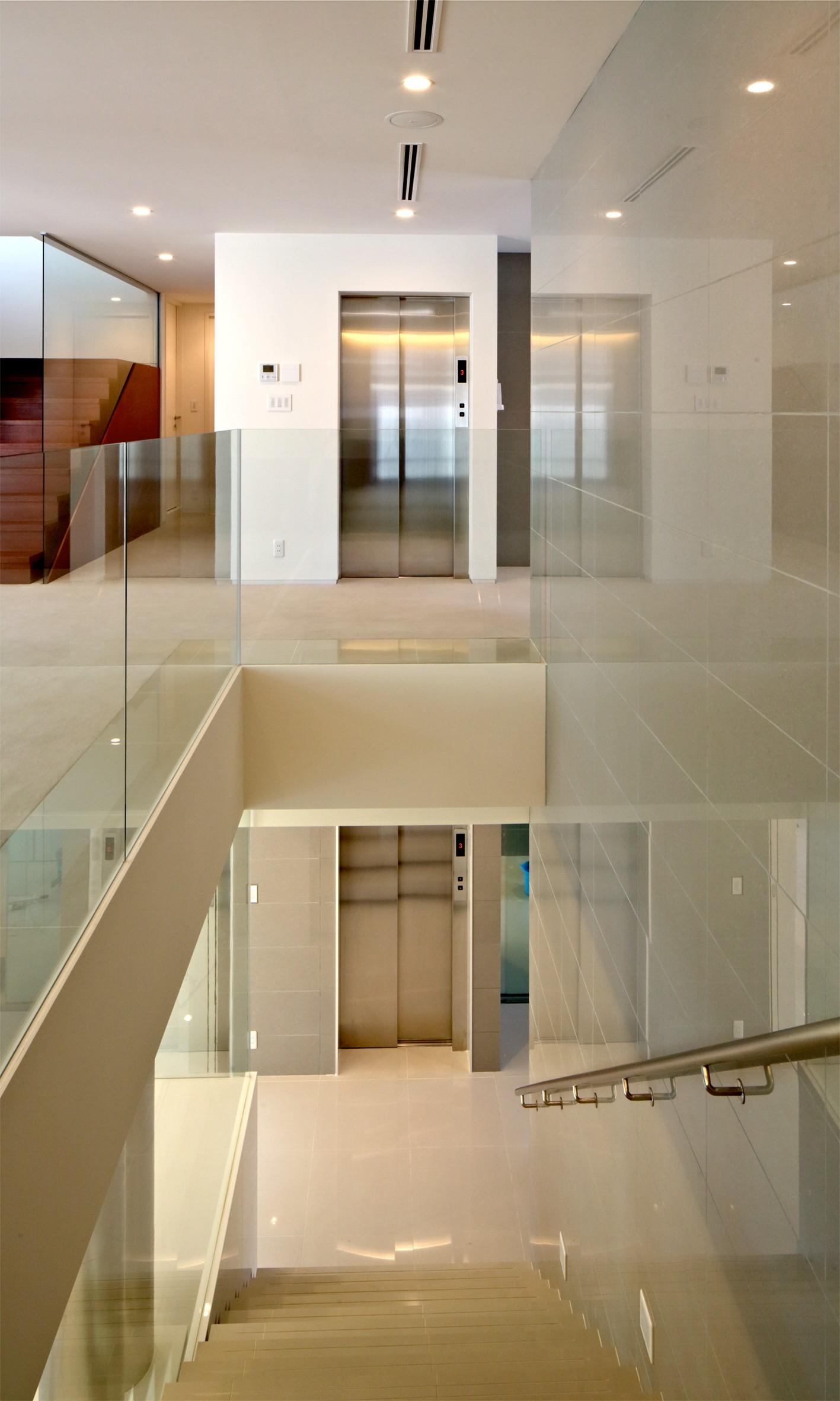 高輪台の家 (階段まわり)