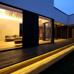 倫季の家(りんきのいえ)~自然光を取り込んだ平屋~ (中庭)