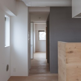 西荻の家-眺望と回遊性のある住まい (リビングダイニング)