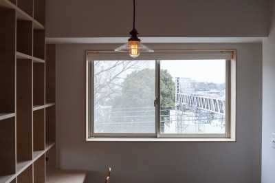 書斎 (西荻の家-眺望と回遊性のある住まい)