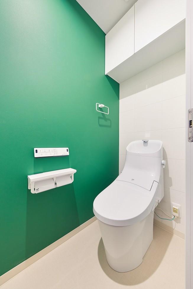 バス/トイレ事例:トイレ(大人がくつろげるフレンドリーな家)