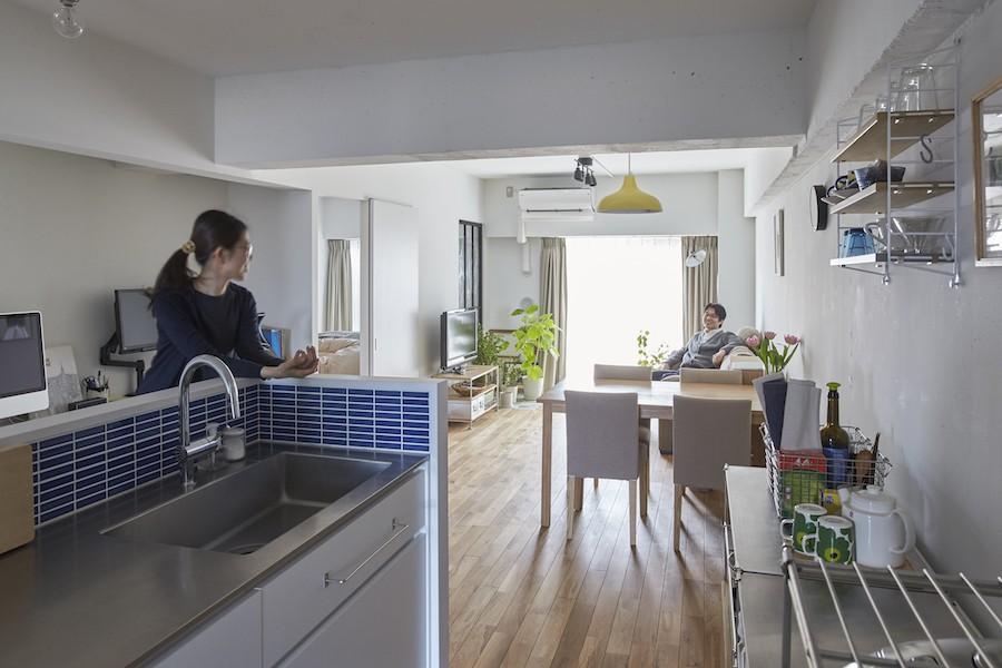 リビングダイニング事例:ダイニングキッチン(H邸-郊外の72.5平米マンションで、「今」を楽しむ)