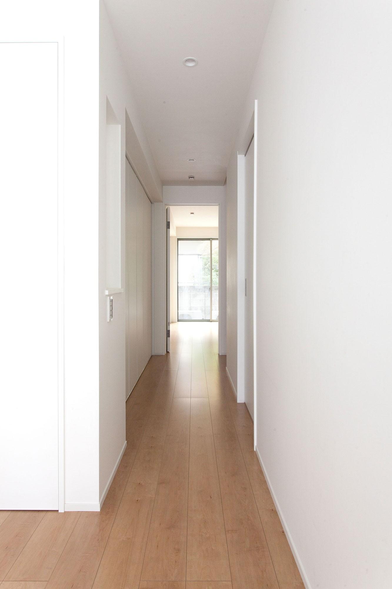 その他事例:廊下(高島平の家-敷地形状を活かした伸びやかな住空間)
