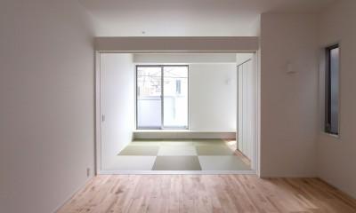 高島平の家-敷地形状を活かした伸びやかな住空間 (リビング)