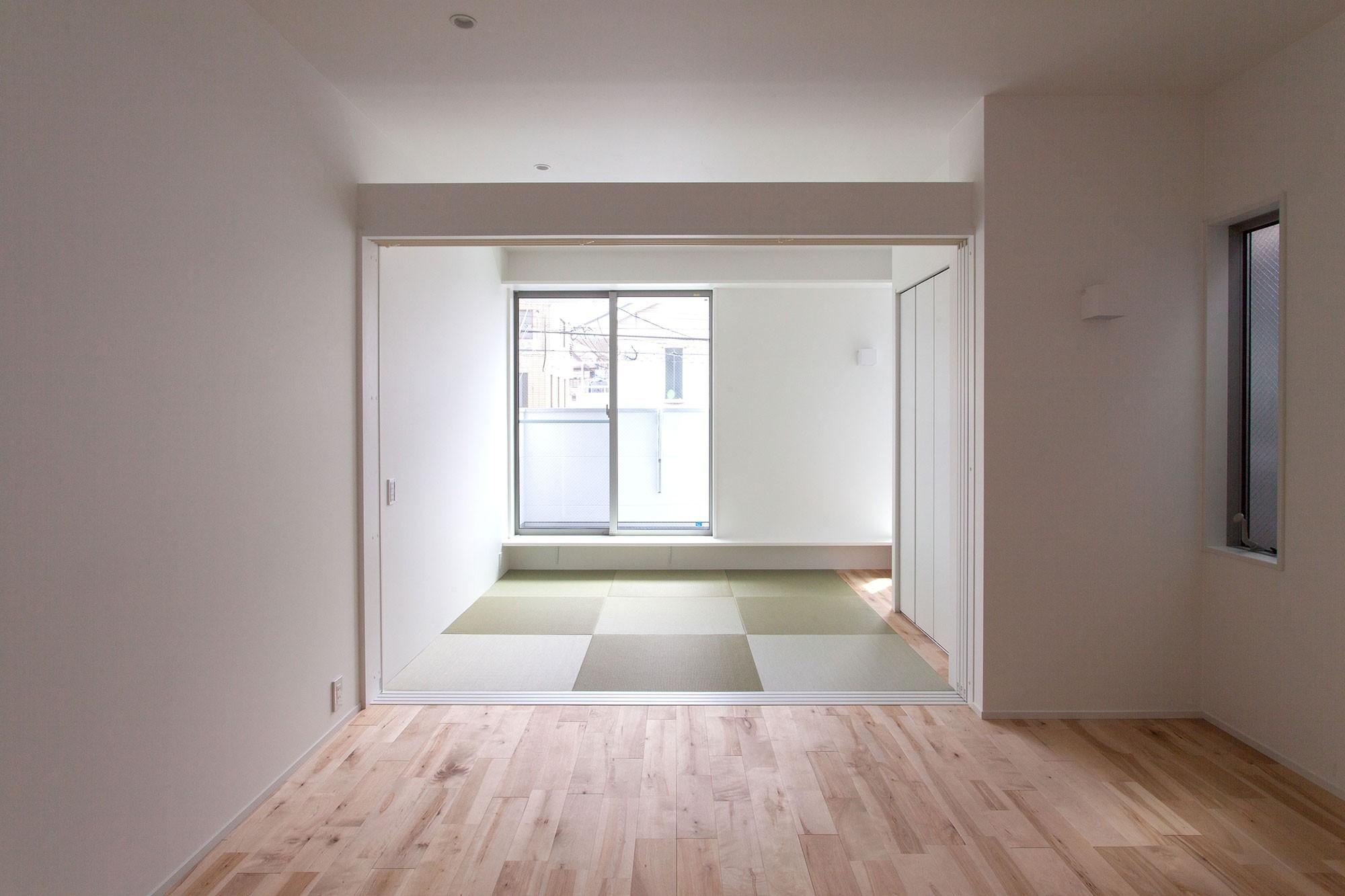 リビングダイニング事例:リビング(高島平の家-敷地形状を活かした伸びやかな住空間)
