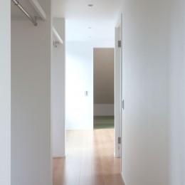 高島平の家-敷地形状を活かした伸びやかな住空間 (収納スペース)