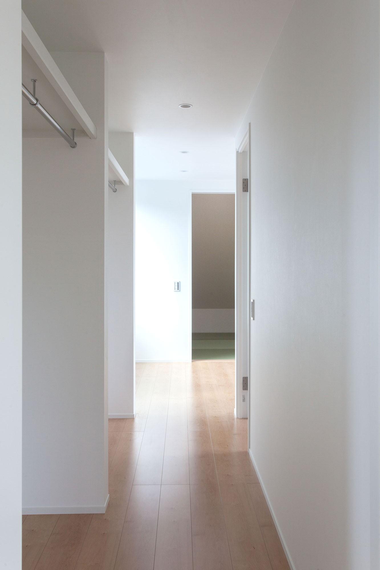 収納事例:収納スペース(高島平の家-敷地形状を活かした伸びやかな住空間)