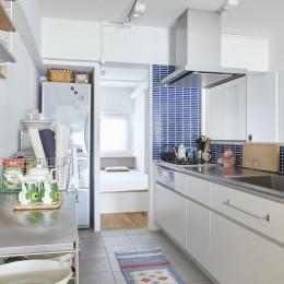 H邸-郊外の72.5平米マンションで、「今」を楽しむ (キッチン)