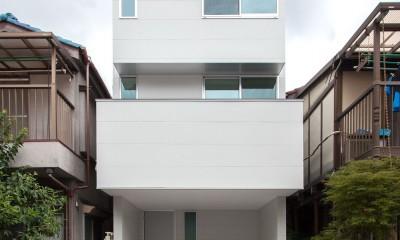 高島平の家-敷地形状を活かした伸びやかな住空間