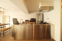 動線を追求した最上級の暮らし (キッチン)
