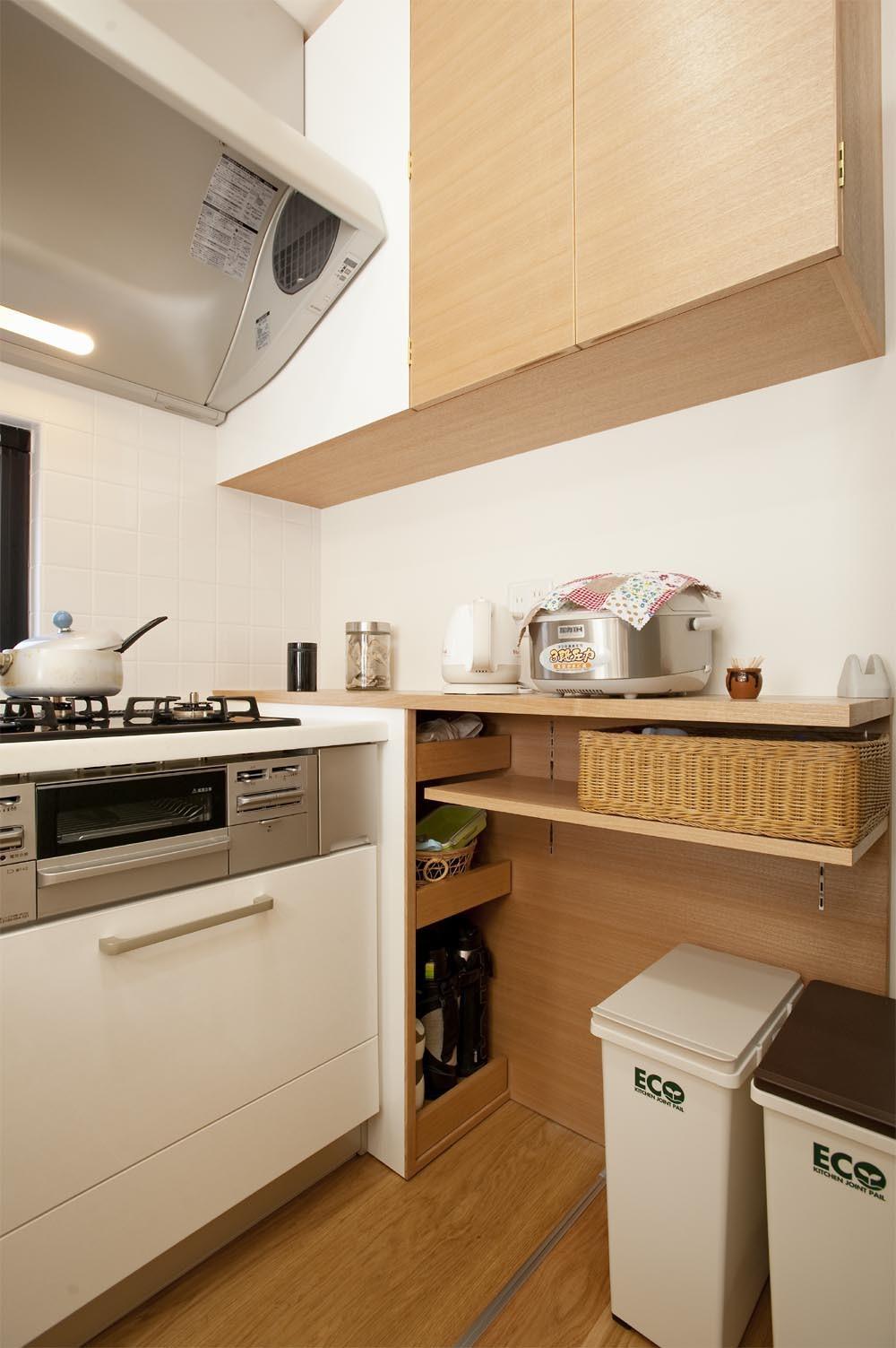 収納事例:キッチン収納(30センチからうまれた、広がりを感じるリビング)