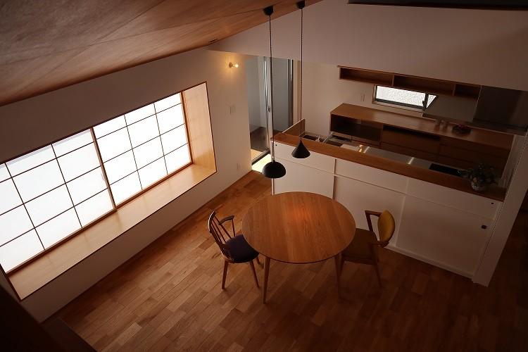あかがわ建築設計室「出窓の家」