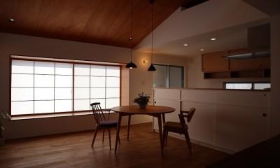 ダイニングキッチン|出窓の家