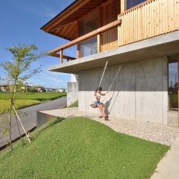 鵜沼の家 (ブランコ)
