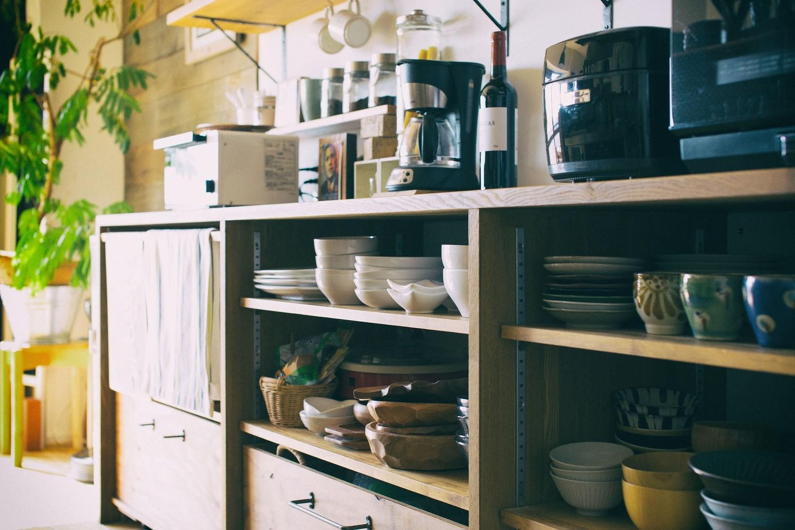 キッチン事例:キッチン収納(音楽と料理が楽しめる家)