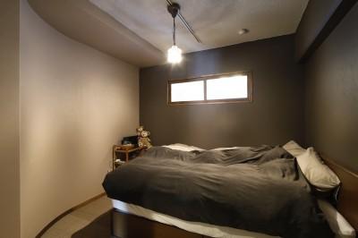 寝室 (夢だった築古マンションのリノベを実現)