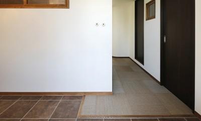 夢だった築古マンションのリノベを実現 (玄関土間)