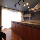 ホテルライクな戸建てリノベの写真 キッチン