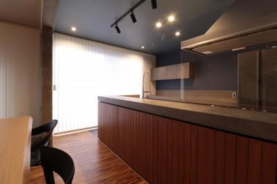 ホテルライクな戸建てリノベ (キッチン)