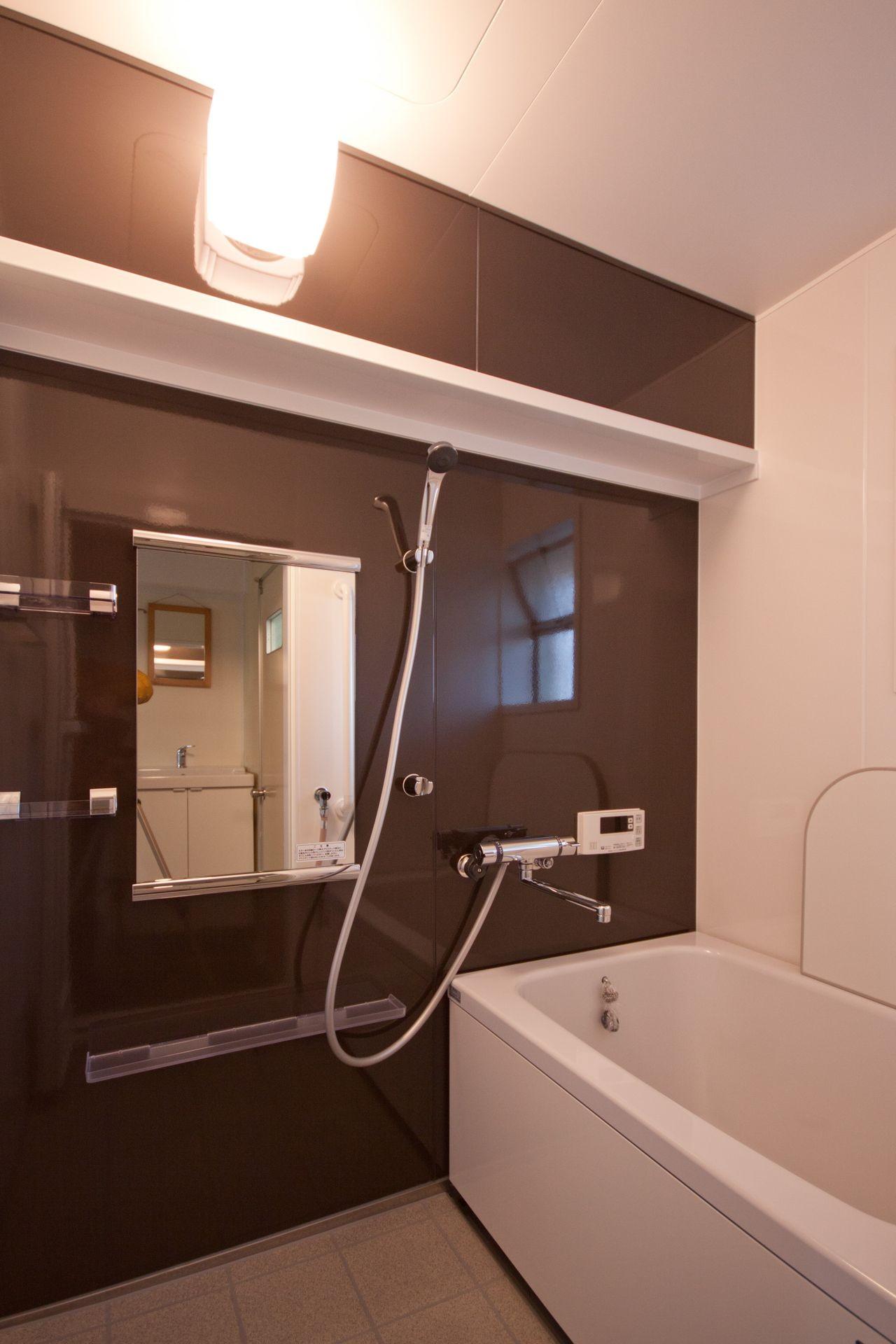 バス/トイレ事例:浴室(東大路高野第三住宅リペア|京都の団地を好みに合わせて団地らしく仕立て直す)