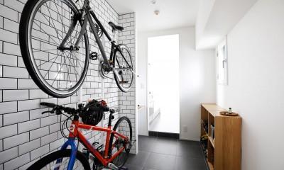 玄関が広くドアのない空間は、明るく開放的で暮らしやすさ抜群。