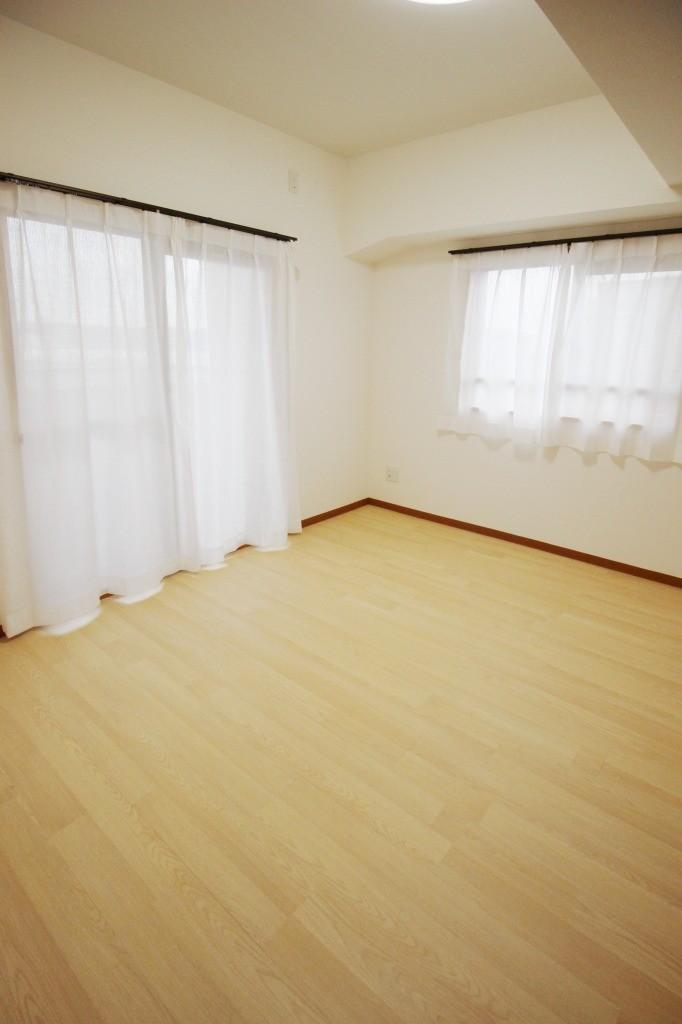 リビングダイニング事例:洋室(半田リノベーションマンション)