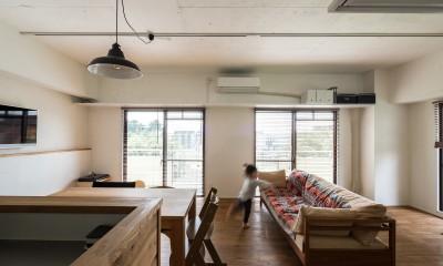 素因数の家 すくすくリノベーションvol.11 (キッチンからの子供への見守り目線)