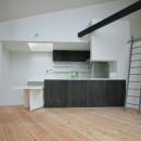 山梨の平屋の家の写真 ペニンシュラ型の対面キッチン