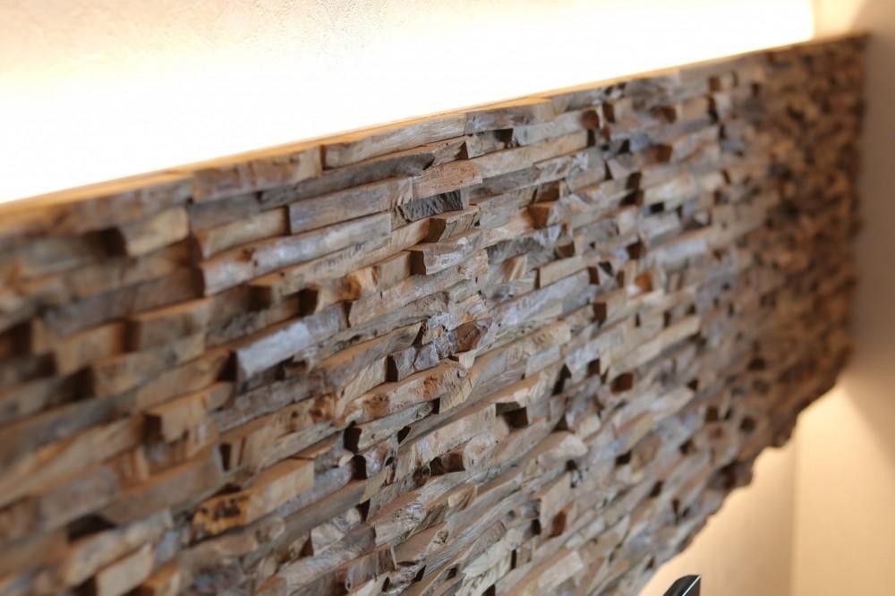 天然素材と室内窓が創る空間 (ウォールパネル)