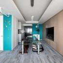 望楼の家 すくすくリノベーションvol.10の写真 色と素材感を楽しむダイニングキッチン