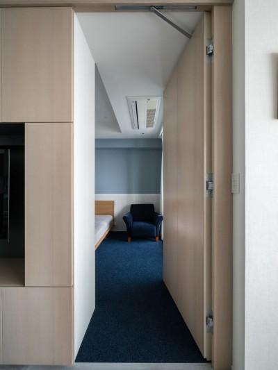 リビングから将来の子ども部屋への隠し扉 (望楼の家 すくすくリノベーションvol.10)