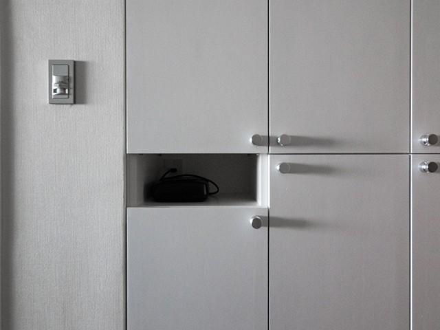 玄関事例:気配りのある玄関収納(望楼の家 すくすくリノベーションvol.10)