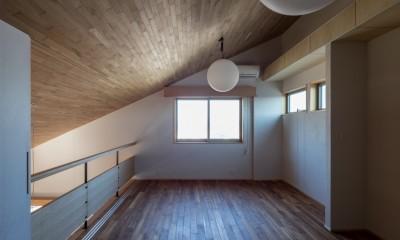 北林泉の家 (リビングから空間がつながる書斎)