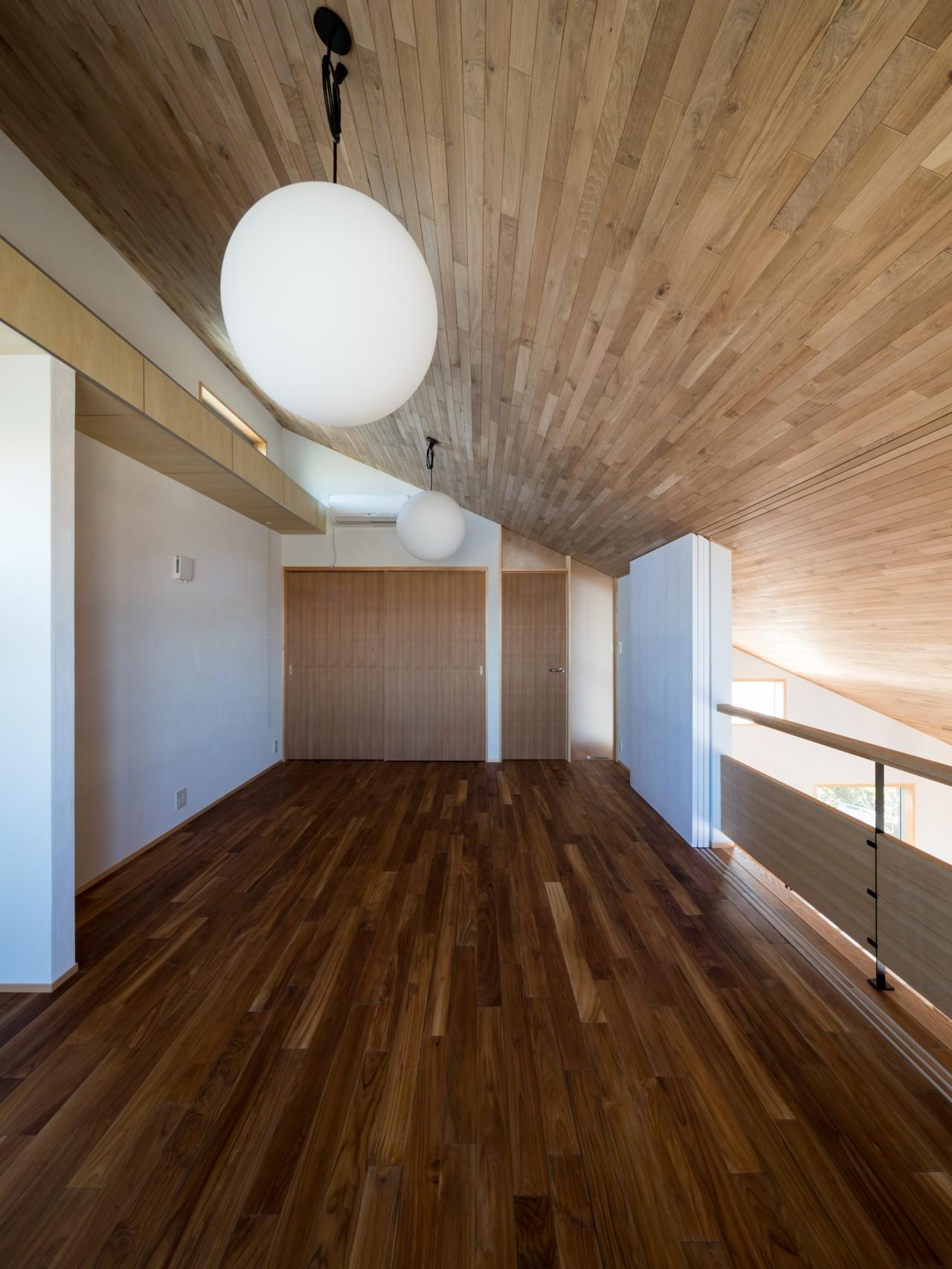 北林泉の家 (書斎の入口の構成)