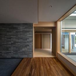 北林泉の家 (趣の違いを楽しむ和室棟の入口)