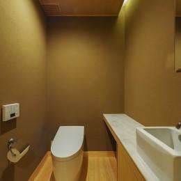 北林泉の家 (来客用トイレも和室素材の設えに)