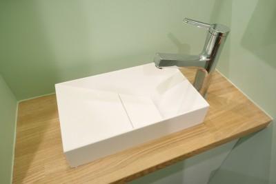 洗面 (自然素材で呼吸を大事にするヨガスタジオ)