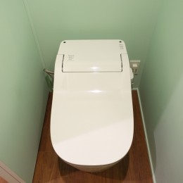 自然素材で呼吸を大事にするヨガスタジオ (トイレ)