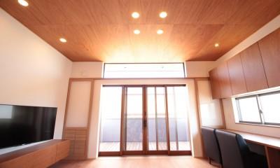 和の素材感をモダンにアレンジした新築住宅